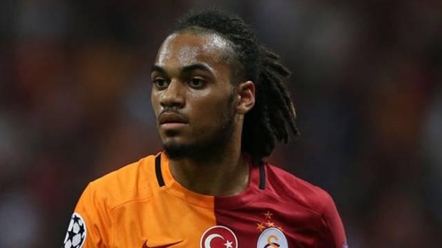 Galatasaray'a Denayer şoku!