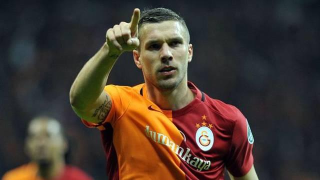 Lukas Podolski'den Çin'e mesaj