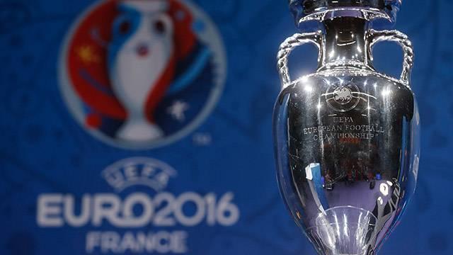 'EURO 2016'da maçlar seyircisiz oynanabilir'