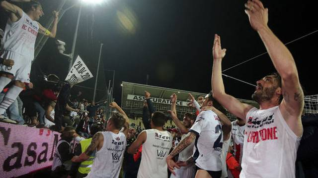 Serie A'ya ilk çıkan takım Crotone oldu