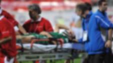 Futbolcunun maçta kalbi durdu
