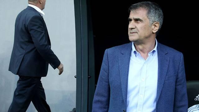 Şenol Güneş: 'Cenk Tosun, Türk futbolu için çok önemli'
