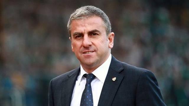Bursaspor, Hamza Hamzaoğlu ile 2 yıllık sözleşme yeniledi!