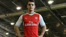 Arsenal, Granit Xhaka'yı renklerine bağladı