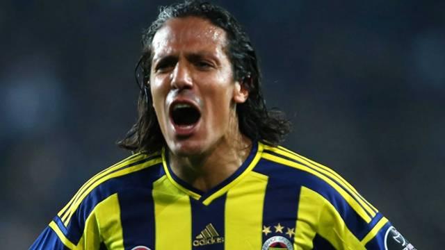 Bruno Alves Fenerbahçe'de kaldı