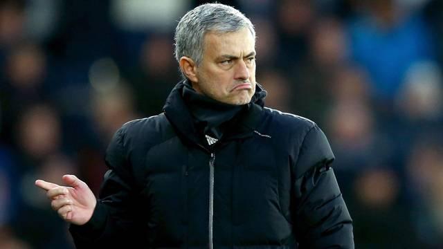 Manchester United'ın yeni teknik direktörü Jose Mourinho