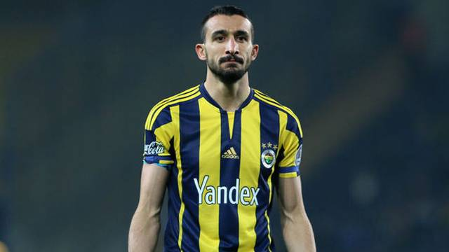 Fenerbahçe'de Mehmet Topal ile yola devam
