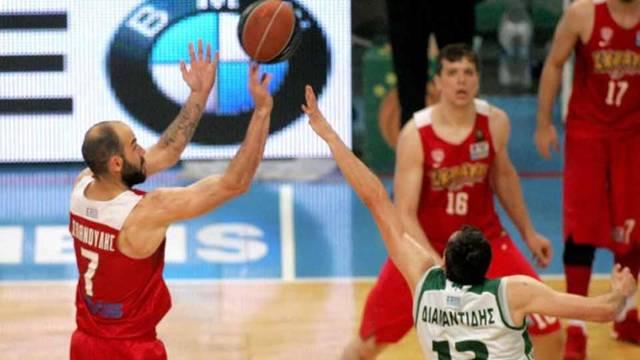 Olympiakos son saniye basketiyle şampiyon oldu
