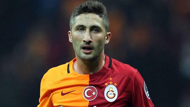Sabri Sarıoğlu 1 yıl daha kalıyor
