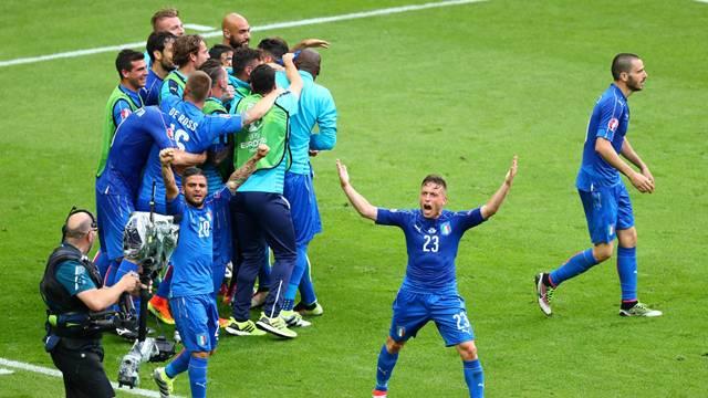 İtalya 2-0 İspanya
