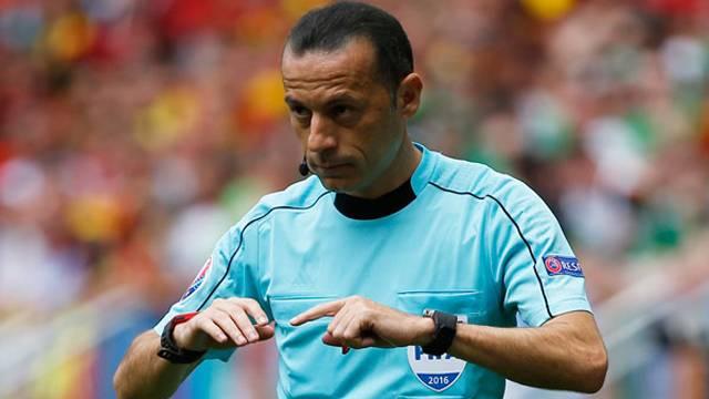 Cüneyt Çakır Euro 2016'da son maçını yönetti