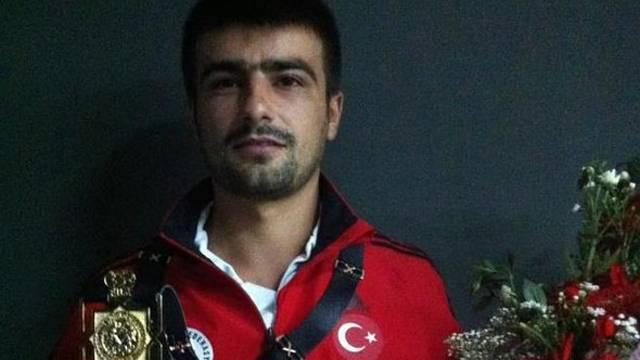 Milli güreşçi Serkan Türk saldırıda hayatını kaybetti