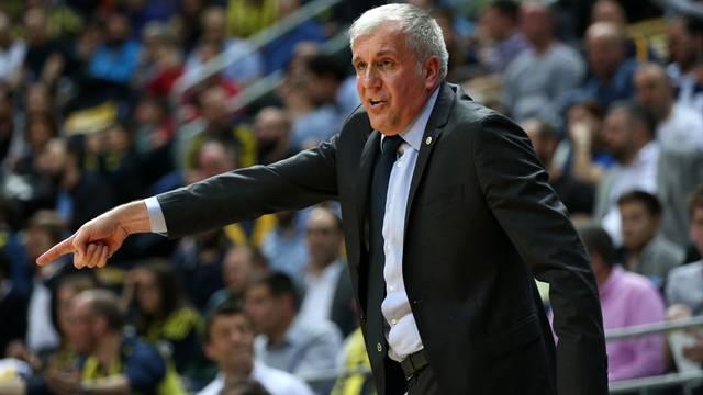 Obradovic Fenerbahçe'de futbola el attı