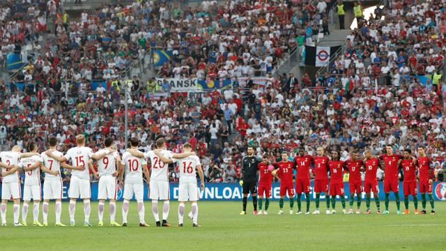 Polonya - Portekiz maçı öncesi İstanbul için saygı duruşu!