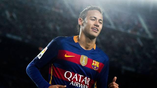 Neymar, 5 yıl daha Barcelona'da