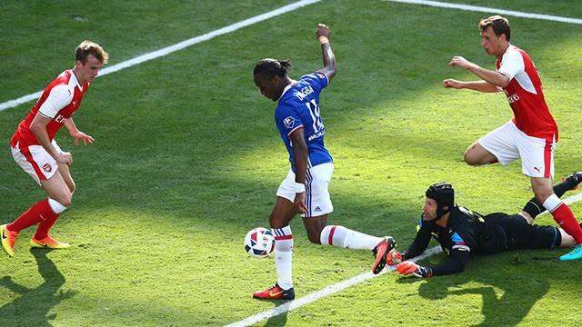Drogba'nın golü Arsenal'i karıştırdı