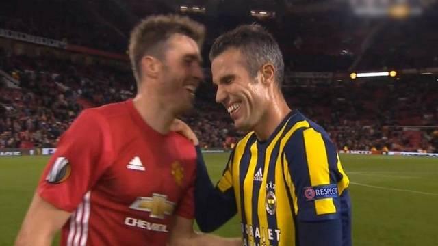 Robin van Persie Fenerbahçe taraftarını çıldırttı!