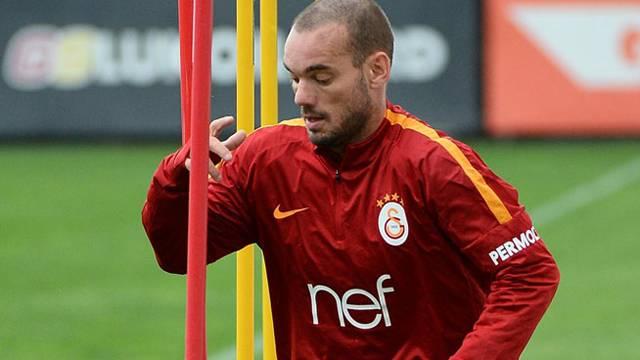 Galatasaray'a Sneijder müjdesi! Trabzonspor maçında sahada