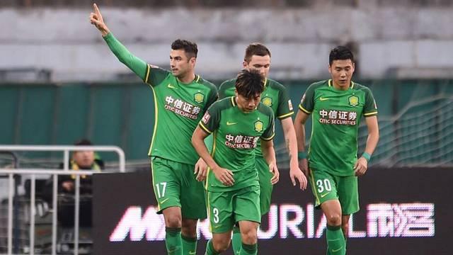 Burak Yılmaz penaltıdan attı Beijing kazandı