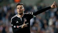 Beşiktaş'ta Oğuzhan'ın belirsizliği sürüyor