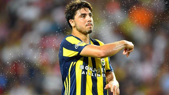 Fenerbahçe'ye Ozan Tufan müjdesi