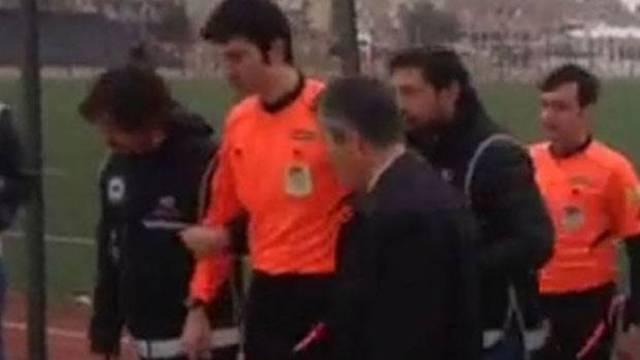 FETÖ'den aranıyordu stadyumda gözaltına alındı