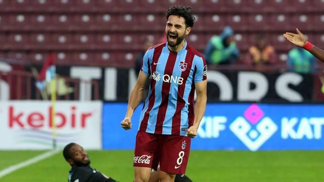 Trabzonsporlu yönetici açıkladı! 'Mehmet Ekici, Beşiktaş'la görüşüyor'
