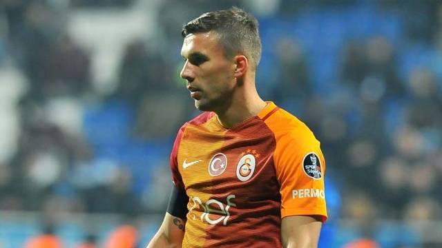Çin ekibi Podolski kararını iletti