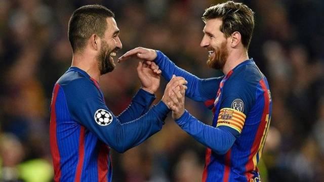 Arda Turan, Messi'ye kurban gidiyor!