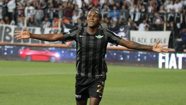 Trabzonspor, Rodallega ile anlaşmaya vardı!
