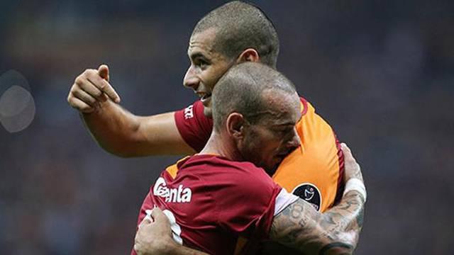 Galatasaray'a Eren ve Sneijder'den kötü haber!
