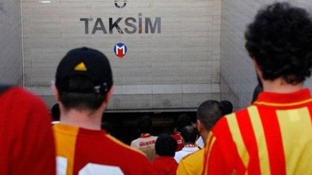 Derbi öncesinde metro kapandı, yolcular isyan etti!