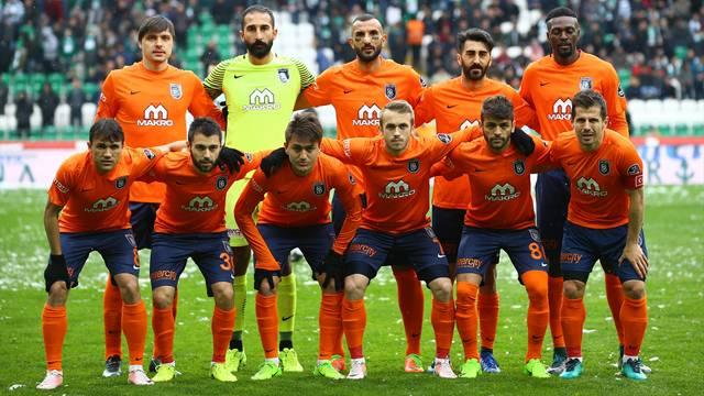 Başakşehirli futbolcular Beşiktaş maçına daldı