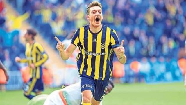 Mesut Özil: 'Fenerbahçeliyim'