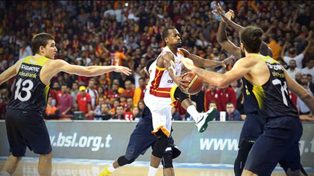 Fenerbahçe'nin kaderi Galatasaray'ın elinde!