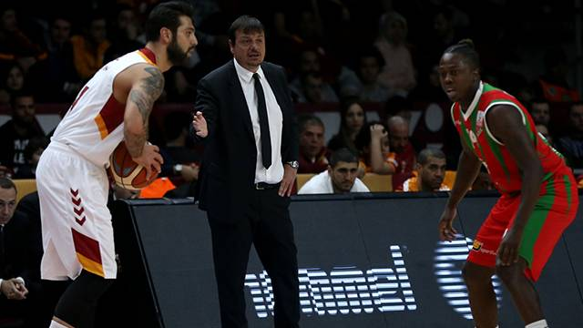 Galatasaray Odeabank 67 - 55 Pınar Karşıyaka