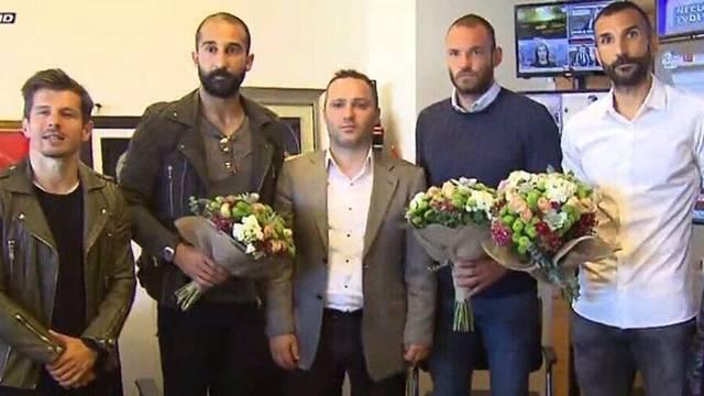 Başakşehirli futbolcular muhabirlerden özür diledi