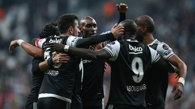 Beşiktaş'ı bekleyen kritik süreç! İşte 2017-2018 kararı
