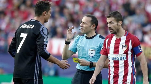 Cüneyt Çakır, Atletico Madrid - Real Madrid maçına damga vurdu