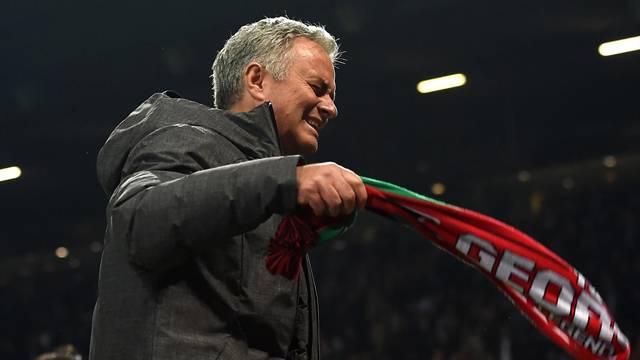 90+5 duygu dolu anlar! Mourinho dağıldı...