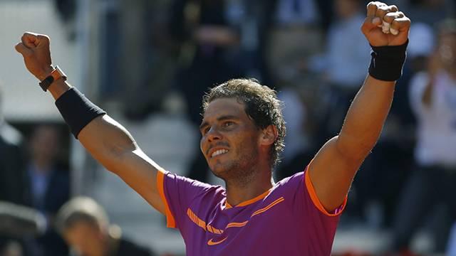 Toprak kort Rafael Nadal'a yaradı