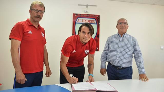 Altınordu Erce Kardeşler'in sözleşmesini uzattı