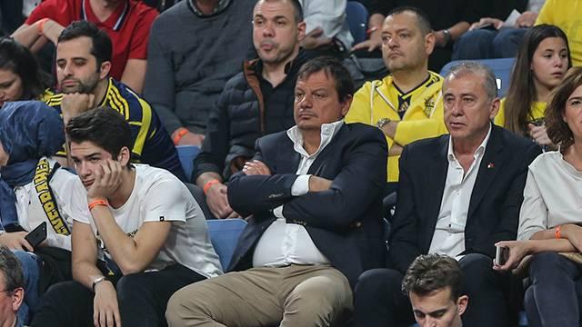 Ergin Ataman Final Four'u Fenerbahçe taraftarının arasında takip etti