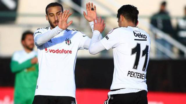Beşiktaş'tan Cenk Tosun ve Mustafa Pektemek kararı