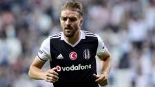 Caner Erkin ile anlaşma tamam! Beşiktaş'ta kaldı