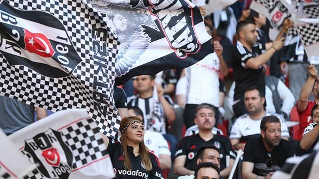Beşiktaş'tan bir yılda tarihi gelir