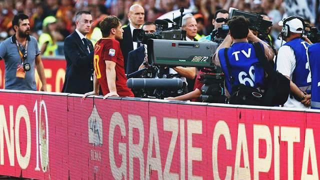 Totti Roma formasıyla son maçına çıktı