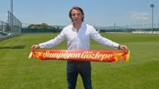 Göztepe, Tamer Tuna ile 3 yıllık sözleşme imzaladı