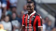 Balotelli Nice'e imzayı attı