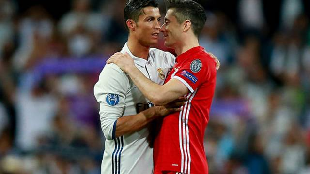 Ronaldo gidiyor, Lewandowski geliyor!